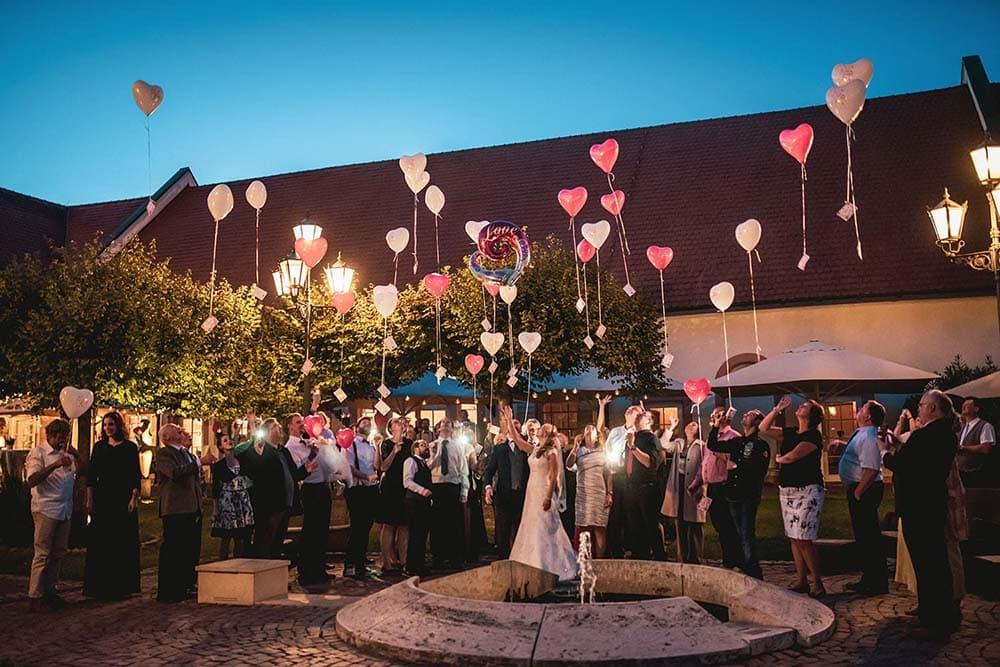 Hochzeitsfeier Schloss Reinach Freiburg Hochzeitsfotograf Colin Derks
